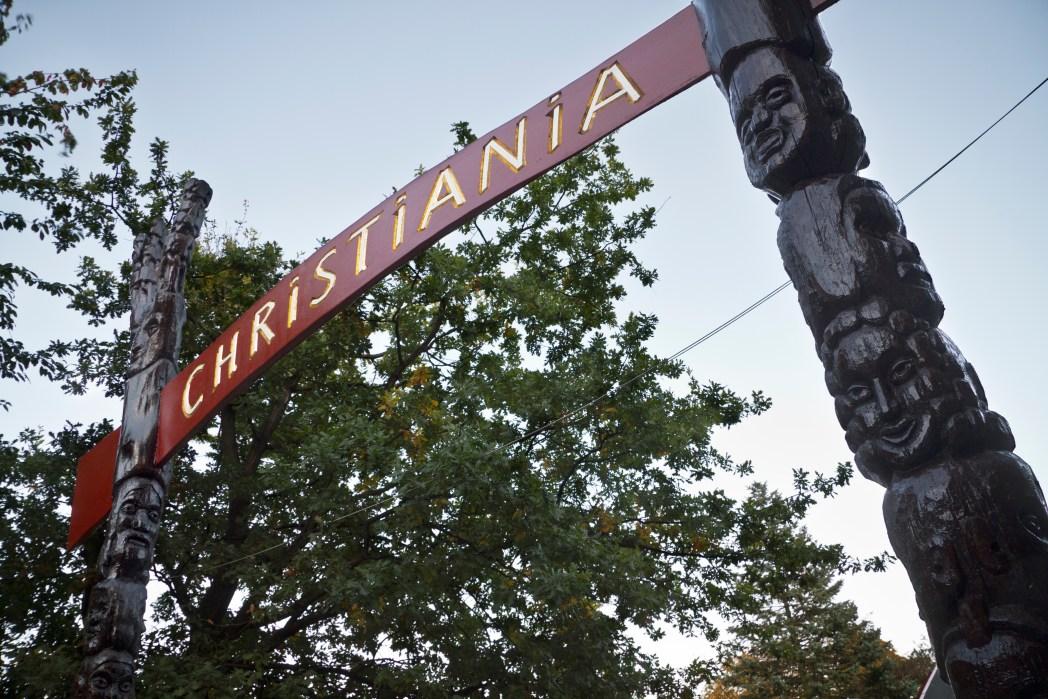 H ταμπέλα στην εισοδο της Christiania