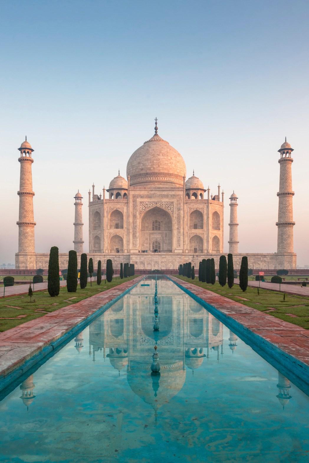 Το Ταζ Μαχάλ είναι απ' τα ωραιότερα αξιοθέατα της Ινδίας