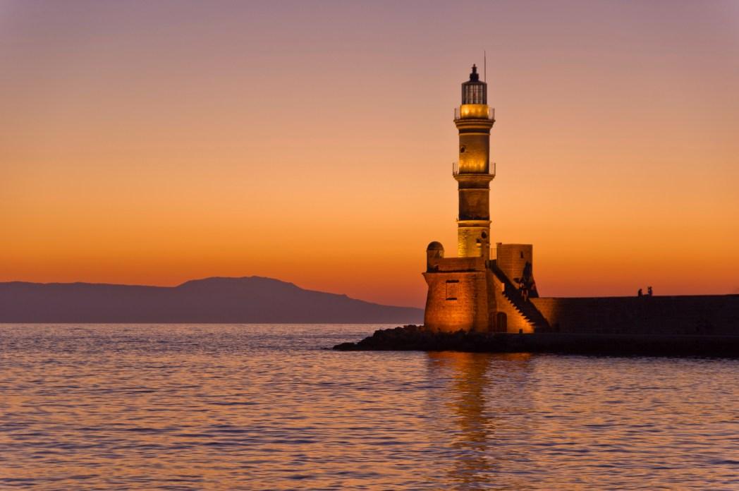 Ηλιοβασίλεμα στο Ενετικό Λιμάνι των Χανίων στην Κρήτη