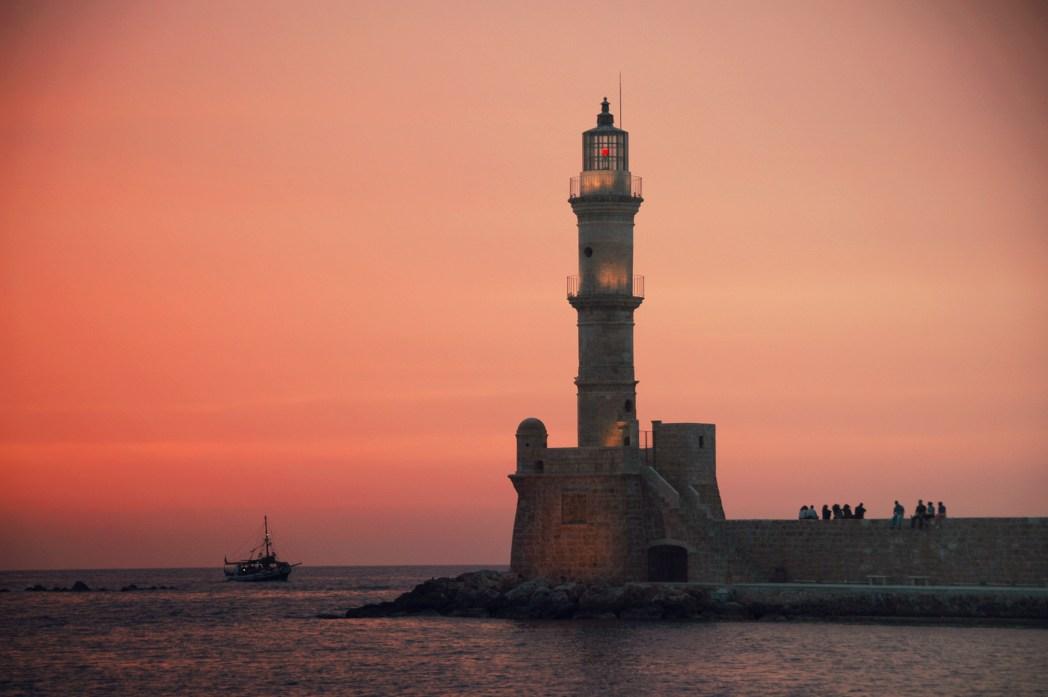 Ο Φάρος στο Παλιό Λιμάνι των Χανίων